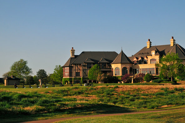 Investors Are Buying Troubled Golf Courses and Giving Them Makeovers